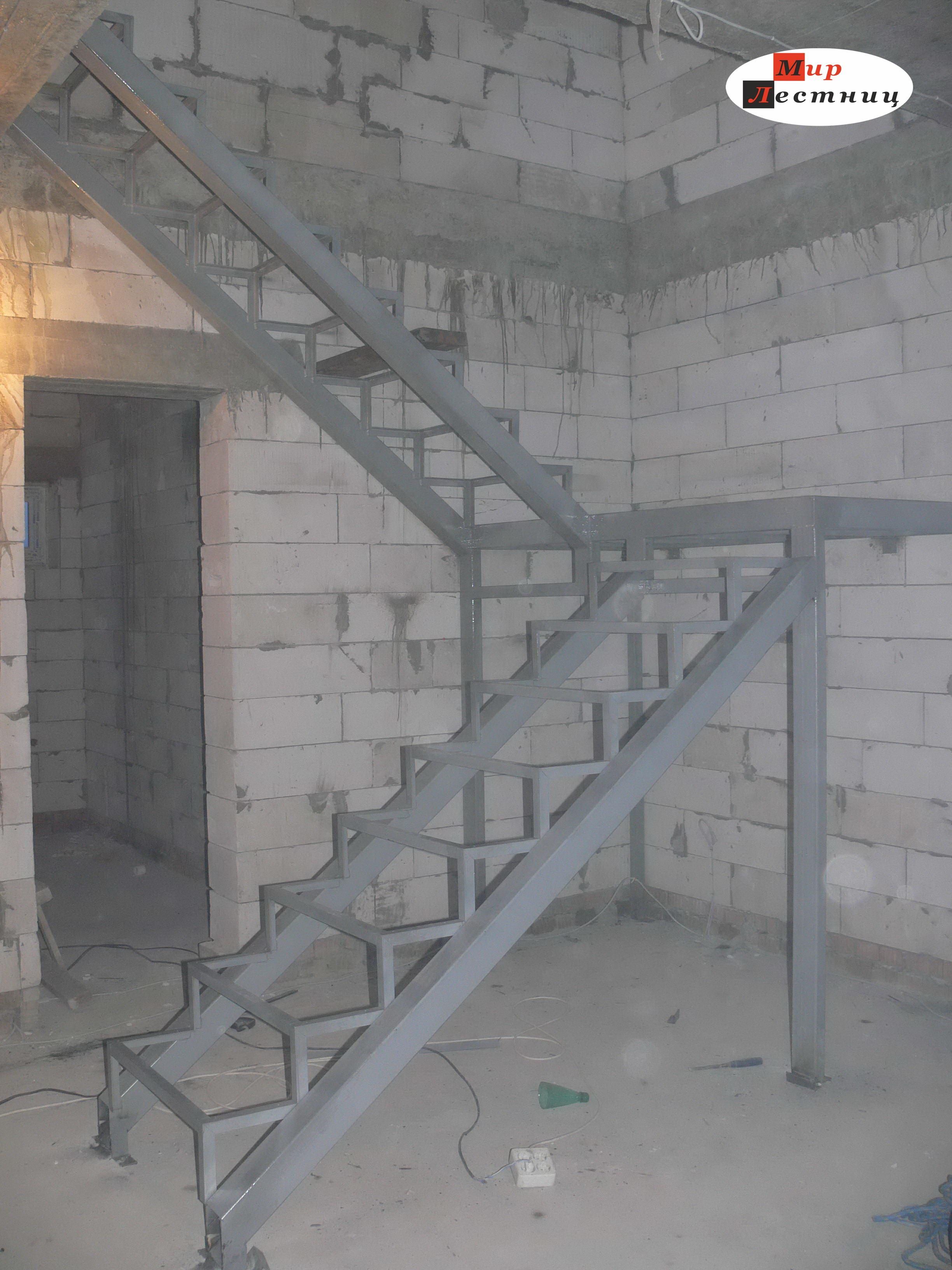 Лестница своими руками с металлокаркасом 710