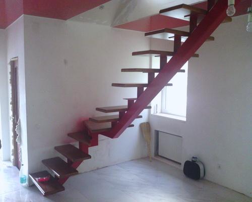 Лестница своими руками с центральным косоуром
